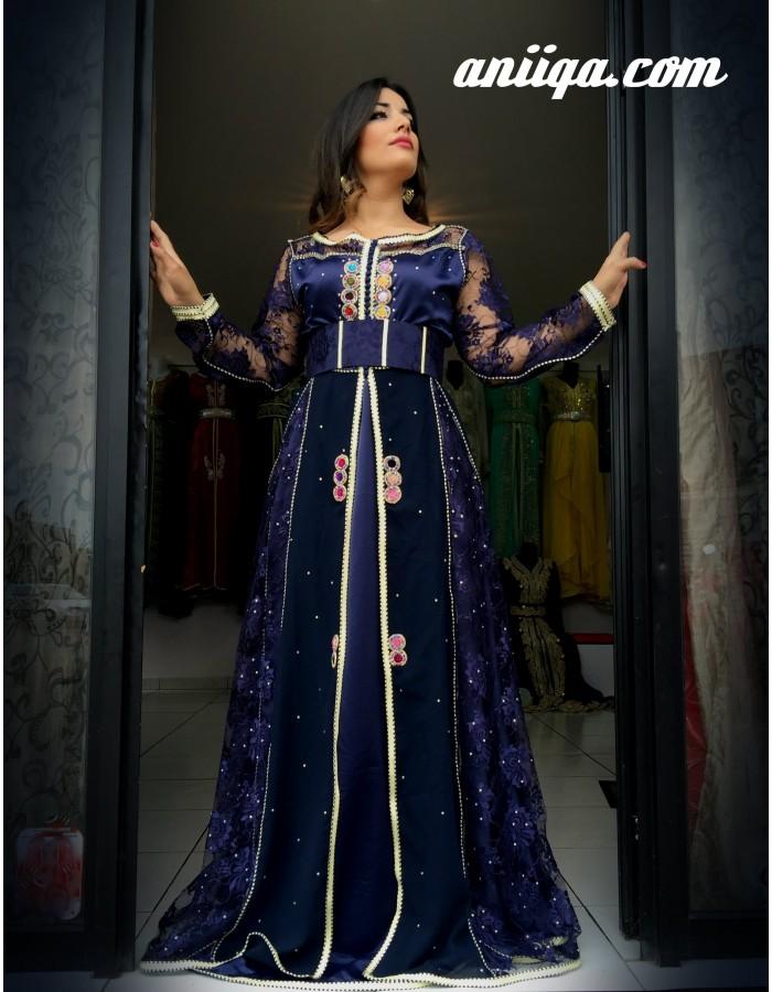 a4872a699a0 Robe marocaine bleu marine et argent, en dentelle et mousseline , coupe  cloche moderne et. Loading zoom