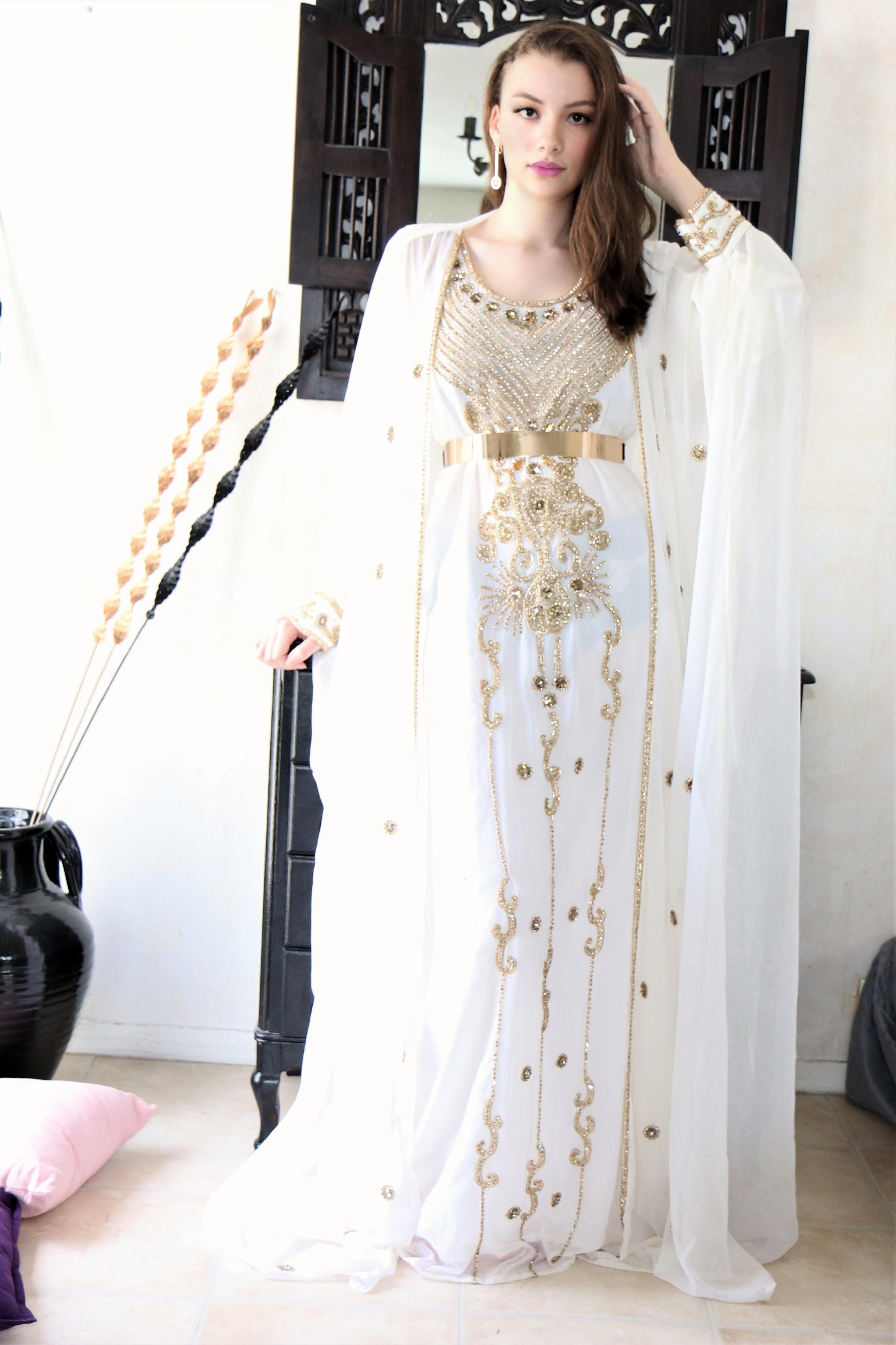 robe orientale mariage blanche, caftan blanc
